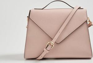 Różowa torebka Sinsay średnia matowa