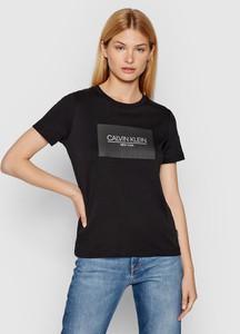T-shirt Calvin Klein z krótkim rękawem w młodzieżowym stylu z bawełny
