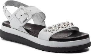 Sandały Carinii w stylu casual