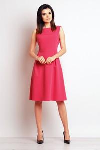 Różowa sukienka Infinite You z dekoltem w łódkę