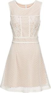 Sukienka bonprix BODYFLIRT boutique z okrągłym dekoltem