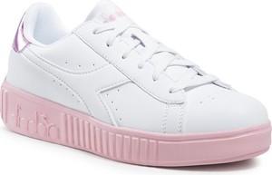 Buty sportowe Diadora z płaską podeszwą ze skóry sznurowane