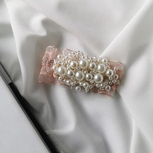 Vezzi Spinka imitacja pereł,kolor różowy O1V90015-2
