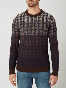 Brązowy sweter McNeal w młodzieżowym stylu
