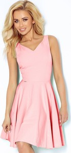 Różowa sukienka NUMOCO mini z dekoltem w kształcie litery v