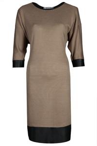 Sukienka Fokus w stylu casual oversize z długim rękawem