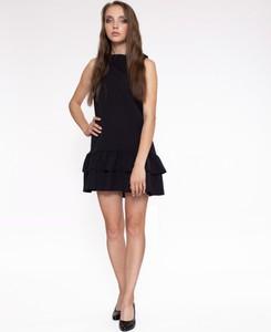 Czarna sukienka 4myself bez rękawów z okrągłym dekoltem