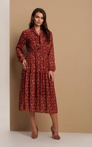 Brązowa sukienka Renee z długim rękawem z dekoltem w kształcie litery v