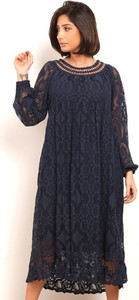 Sukienka Plus Size Fashion midi z okrągłym dekoltem z długim rękawem