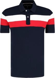 1833a330ecea0 Koszulka polo Tommy Hilfiger w młodzieżowym stylu z krótkim rękawem