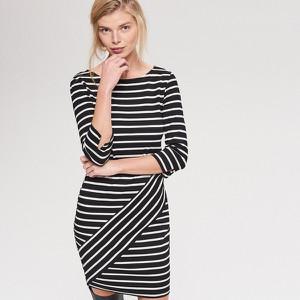 7d2674bd51 Sukienka Reserved w stylu casual z dzianiny z długim rękawem