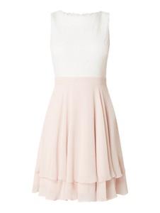 Różowa sukienka Jake*s Cocktail z szyfonu