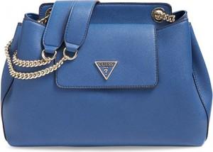 Niebieska torebka Guess matowa ze skóry