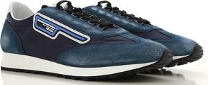 Niebieskie buty sportowe Prada w młodzieżowym stylu z zamszu