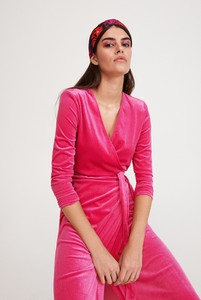 Różowa sukienka Reserved maxi z dekoltem w kształcie litery v w stylu casual