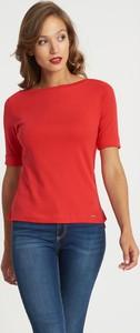 Czerwona bluzka QUIOSQUE w stylu casual z krótkim rękawem