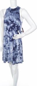 Niebieska sukienka Dex prosta bez rękawów