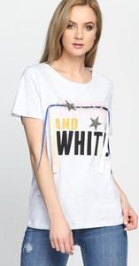 T-shirt Multu w młodzieżowym stylu