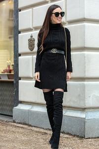 Czarna sukienka Ivet.pl w stylu casual