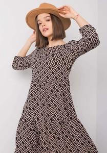 Czarna sukienka Sheandher.pl z długim rękawem w stylu casual z okrągłym dekoltem