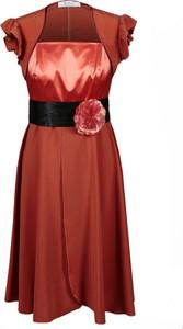 Czerwona sukienka Fokus midi bez rękawów z szyfonu