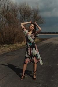 Sukienka Oscar Fashion z szyfonu