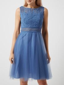Sukienka Luxuar Fashion bez rękawów rozkloszowana