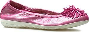 Różowe baleriny Caprice ze skóry z płaską podeszwą