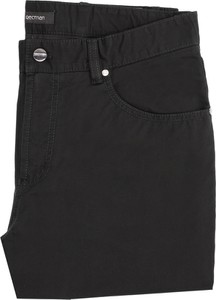 Czarne spodnie recman