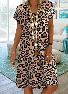 Brązowa sukienka Sandbella w stylu casual z krótkim rękawem