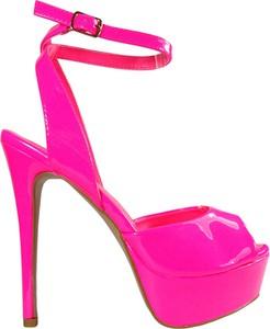 Różowe sandały Kokietki