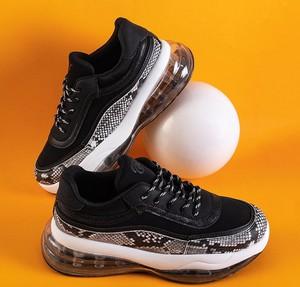 Buty sportowe Royalfashion.pl sznurowane ze skóry z płaską podeszwą