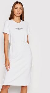 Sukienka Calvin Klein w stylu casual z bawełny z okrągłym dekoltem