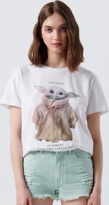 T-shirt Cropp z bawełny w młodzieżowym stylu z okrągłym dekoltem