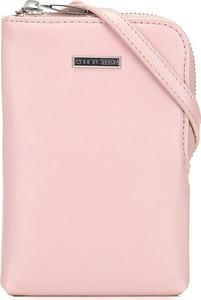 Różowa torebka Wittchen na ramię średnia w stylu casual