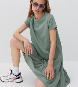 Sukienka Reserved z krótkim rękawem w stylu casual