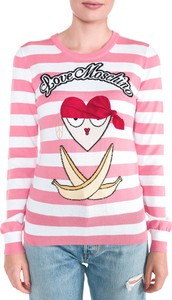 Różowy sweter Love Moschino w młodzieżowym stylu