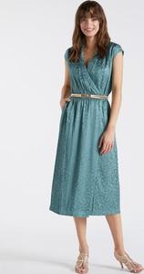 Zielona sukienka Monnari z dekoltem w kształcie litery v