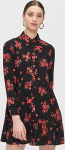 Sukienka Cropp z kołnierzykiem mini koszulowa