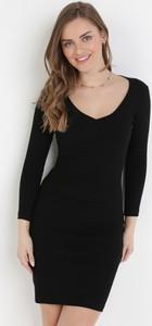 Czarna sukienka born2be mini w stylu casual z okrągłym dekoltem