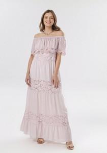 Różowa sukienka born2be rozkloszowana maxi