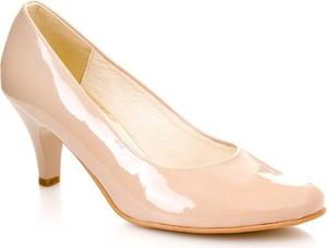 Beżowe czółenka calzado