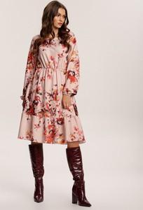 Sukienka Renee w stylu casual z długim rękawem z okrągłym dekoltem