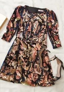 Sukienka Renee rozkloszowana z okrągłym dekoltem z długim rękawem