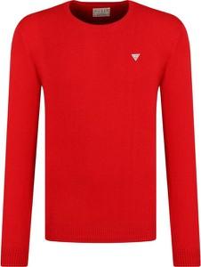 Czerwony sweter Guess Jeans