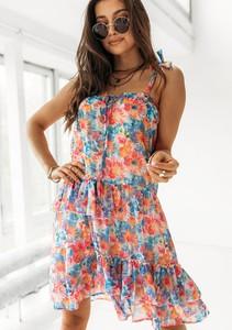 Sukienka Latika z okrągłym dekoltem na ramiączkach mini