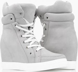 Sneakersy Wilady na koturnie