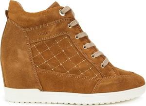 d47453a17983c Brązowe buty damskie sznurowane Geox, kolekcja wiosna 2019