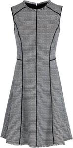 Sukienka DKNY z okrągłym dekoltem mini rozkloszowana