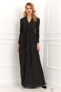 Czarna sukienka Fasardi z dekoltem w kształcie litery v z długim rękawem